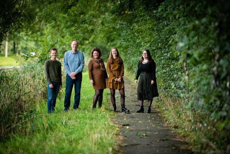 Familie fotoshoot Friesland, Dokkum door fotograaf Nickie Fotografie