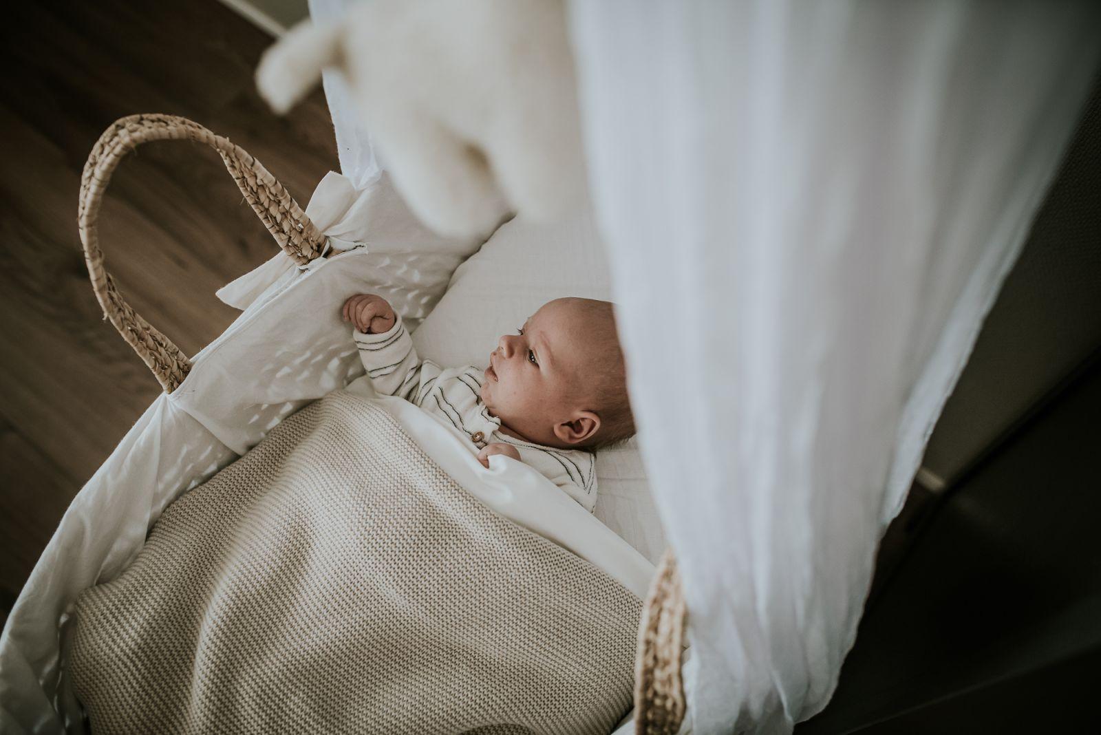 newbornshoot door newbornfotograaf Nickie Fotografie uit Dokkum, Friesland